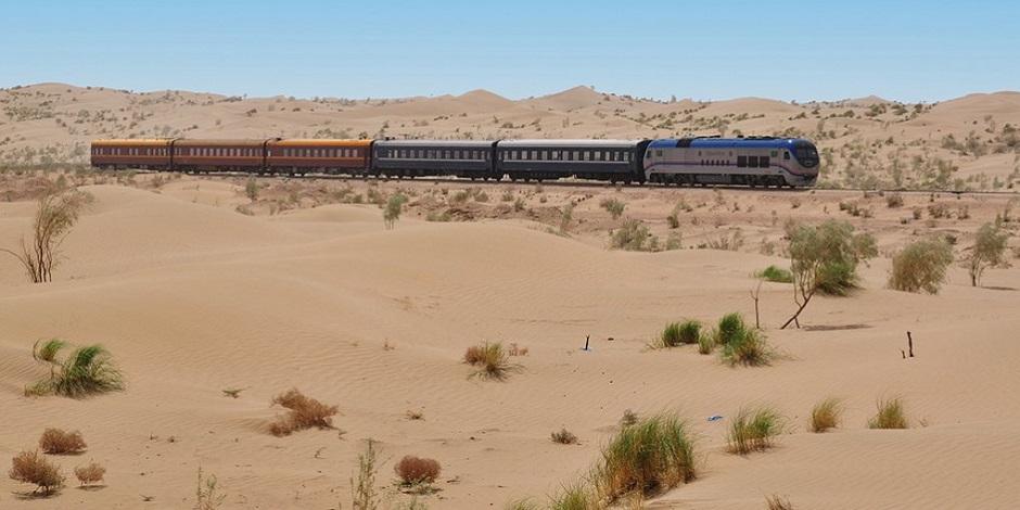 Train Silk Road Express dans le désert
